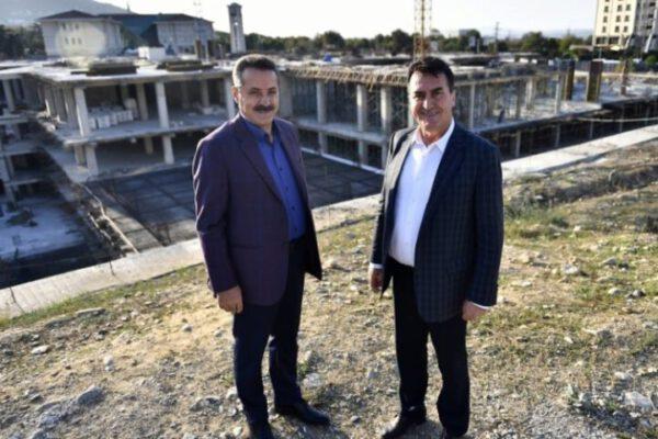 """Çelik: """"Bursa'nın meydan hayali gerçek oluyor"""""""